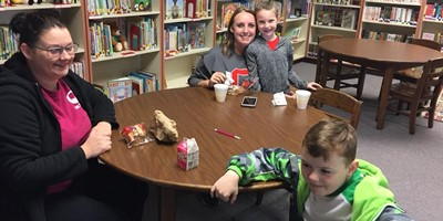 NLES Muffins with Moms